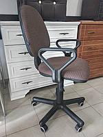 Кресло для персонала Regal gtp PM60 с подлокотниками Распродажа выставочных образцов