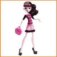 Кукла Monster High Дракулаура (Draculaura) из серии Travel Scaris Монстр Хай
