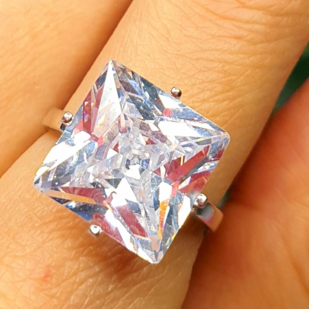 """Серебряное кольцо с огромным камнем """"Кристалл"""""""