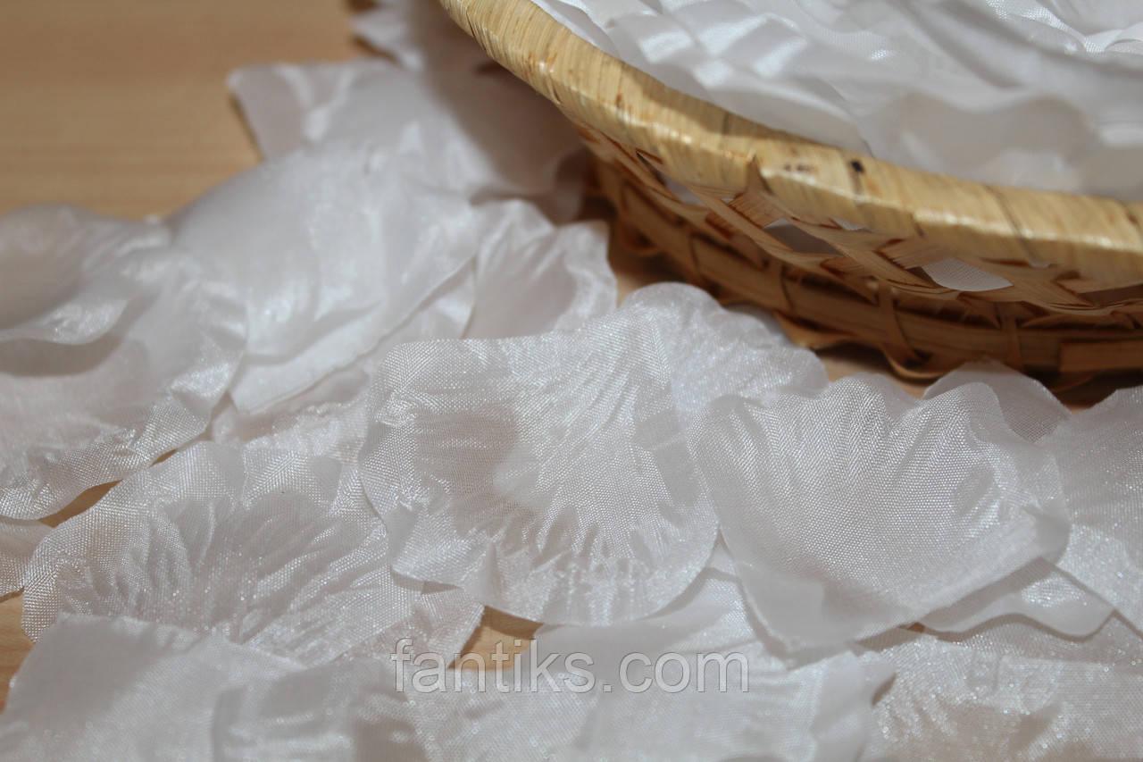 Лепестки роз искусственные  БЕЛЫЕ 100 шт
