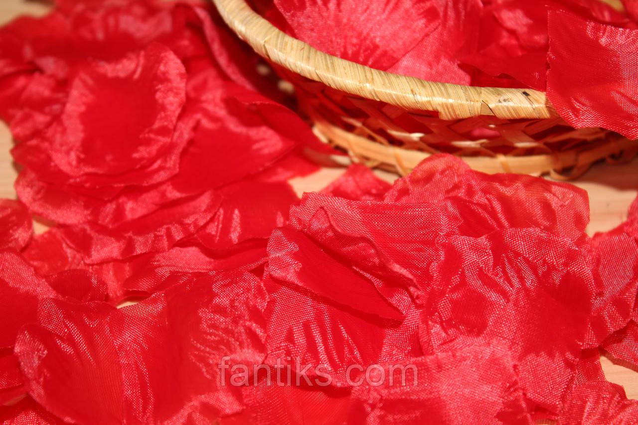 Лепестки роз искусственные  КРАСНЫЕ