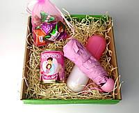 """Подарок женщине на 8 Марта """"Лучшей в мире"""" (мини-зонт, консервированные носочки, вкусные шоколадные конфеты)"""