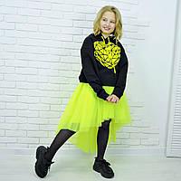 Толстовка черная с капюшоном и принтом желтое сердце девочке на рост 140-176