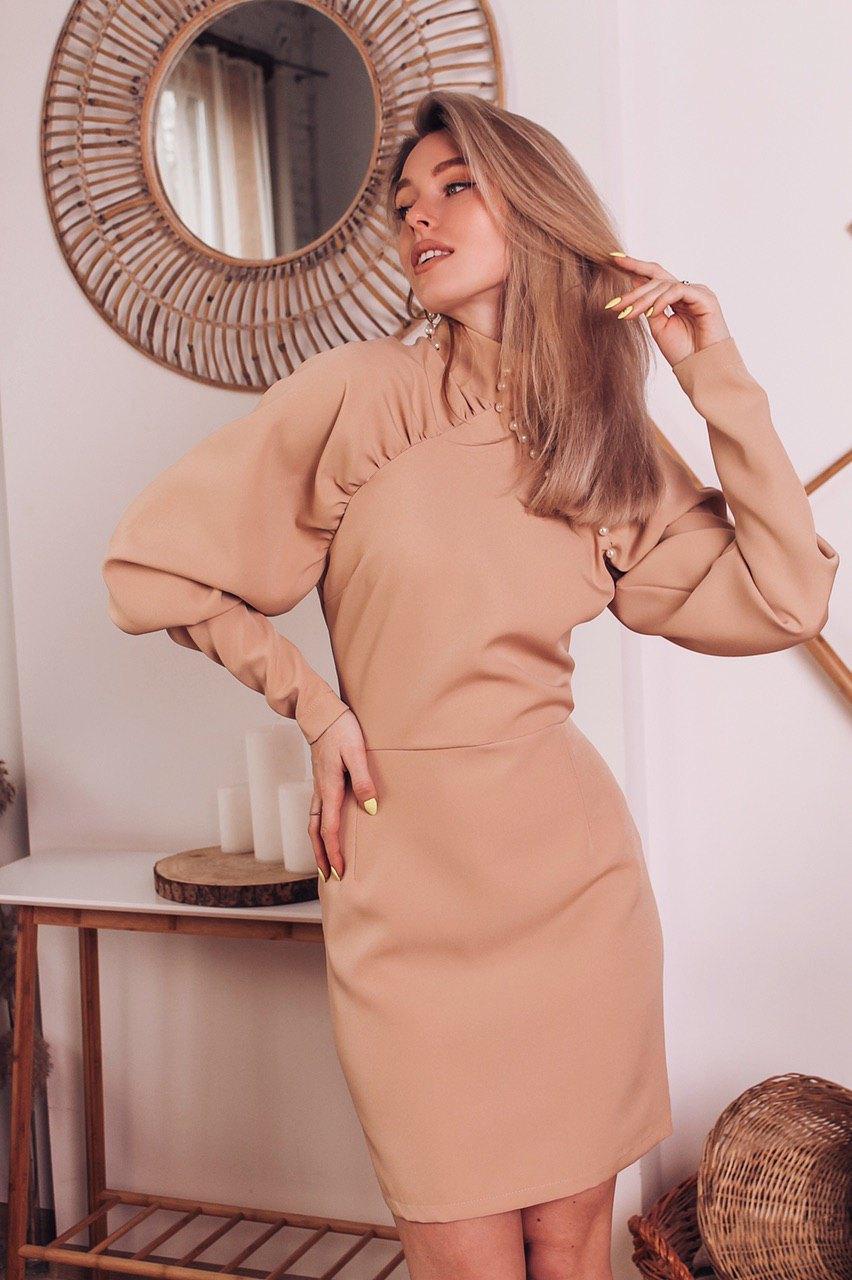 Платье по фигуре с длинным рукавом - фонариком и высокой горловиной 6003966