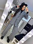 Женский брючный костюм с брюками клеш и прямым пиджаком 2010501, фото 6