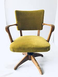 Кресло мягкое желтое