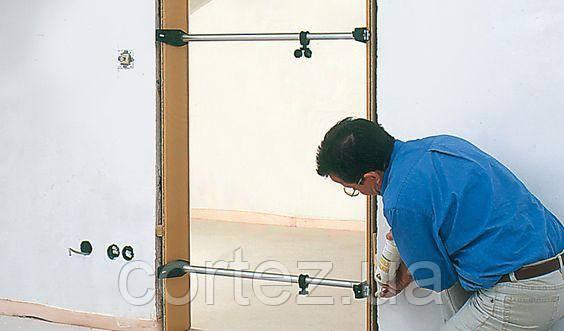 Что сначала при ремонте клеят обои или устанавливают двери?