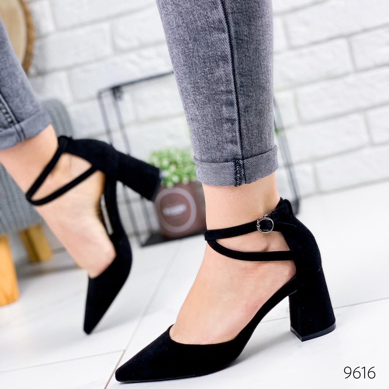 Женские  замшевые открытые туфли лодочки на каблуке с заостренным носком с переплетом черные