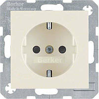 Berker S.1/B.3/B.7 - Розетка 2к+з SCHUKO с защитой контактов, белый