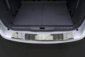 Накладка на задний бампер Peugeot 5008 2009-2017, полированная сталь 35991