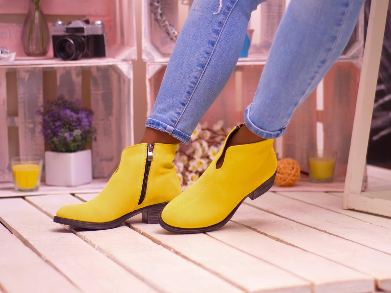 Демисезонные короткие ботинки на низком каблуке 36-40 р
