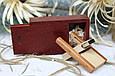 Деревянная флешка «Трансформер» с индивидуальной гравировкой Красное дерево на 32Gb (2.0) в шкатулке, фото 2
