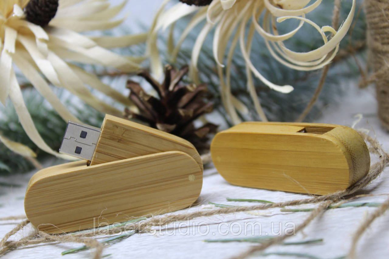 Дерев'яна розкладна флешка «Швейцарський ніж» з індивідуальним гравіюванням Карб. Бамбук на 64Gb (2.0)