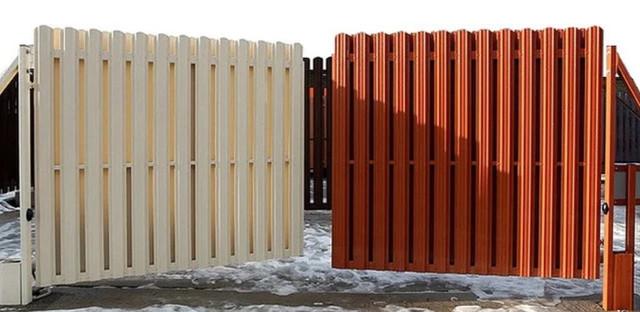 Распашные ворота из штакетника