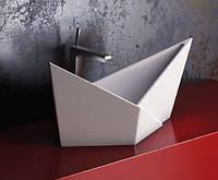 Раковина- главный акцент ванной комнаты.