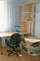 Стол со стеллажем
