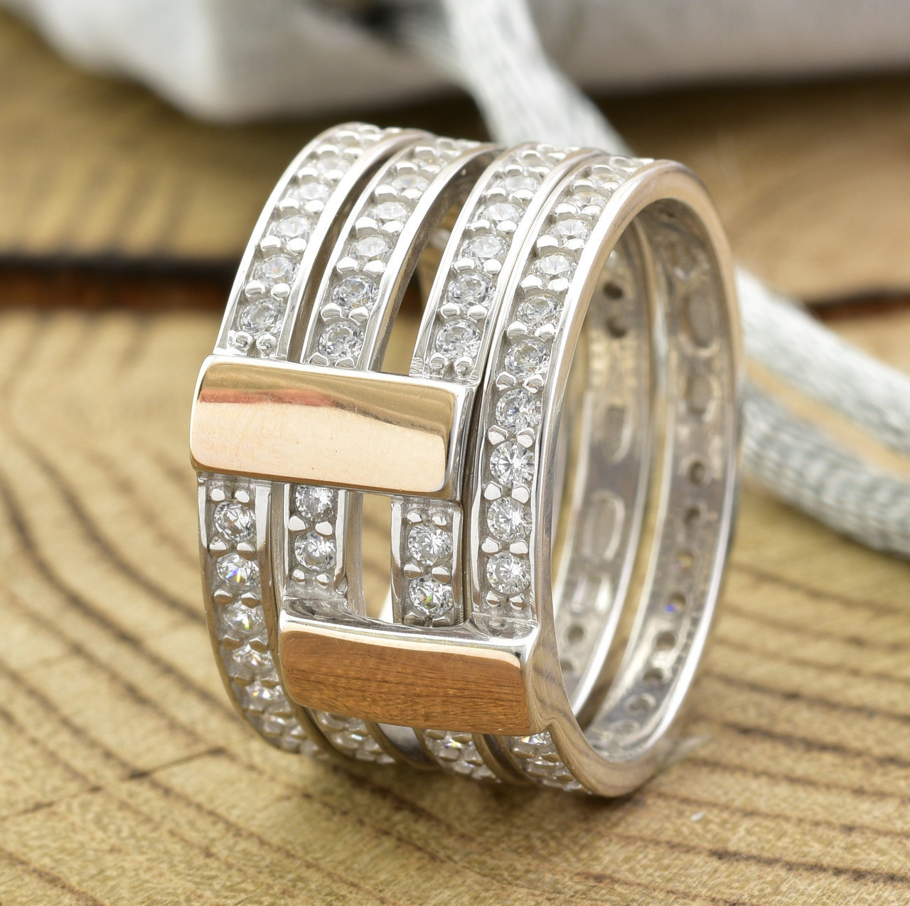 Серебряное кольцо двойное с золотом 850БС вставка белые фианиты вес 7.1 г размер 18.5