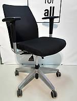 Крісло офісне ортопедичне Viasit futura