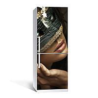 Виниловая наклейка на холодильник Маска ламинированная двойная (пленка девушка в маске Венеция маскарад губы), фото 1