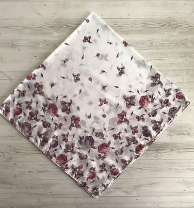 Легка біла хустинка Весняні квіти, фото 2