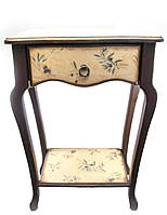 """Столик туалетный коричневый """"Оливка"""",с фигурной столешницей (массив дерева 72х50х32 см)"""