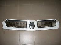 Решетка радиатора б/у на Renault Master год 2003-2010 8200233765