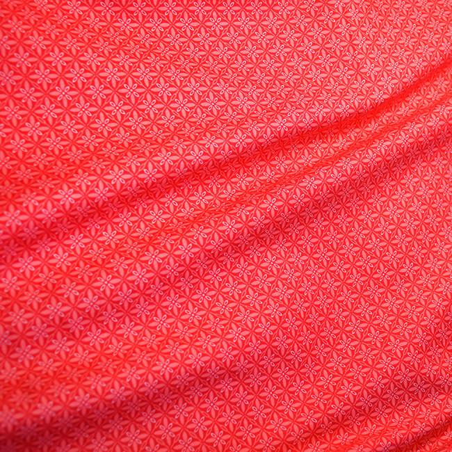 55005 Геометрический узор в клетке (красный). Ткани для рукоделия и шитья.