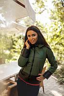 Двухцветная женская куртка короткая с капюшоном рукав длинный на молнии плащевка