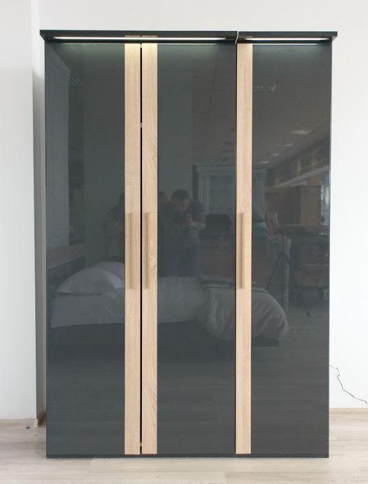 Гардероб 3-ех дверный Капри (Embawood)