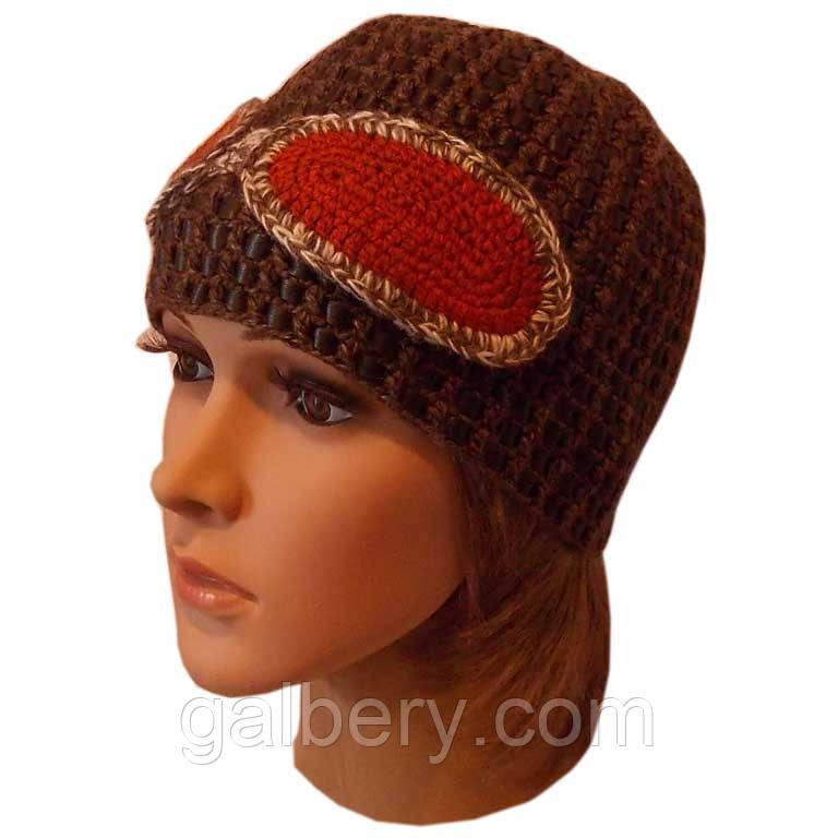"""Женская вязаная шапка c элементами кожи коричневого цвета, с декоративными """"очками"""""""