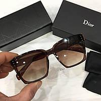 Женские солнцезащитные очки WayfarerDior коричневые с градиентом