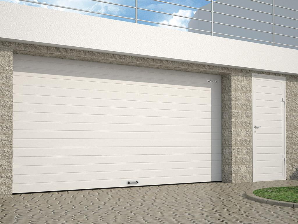 Секційні гаражні ворота DoorHan серії RSD01 2400х2000