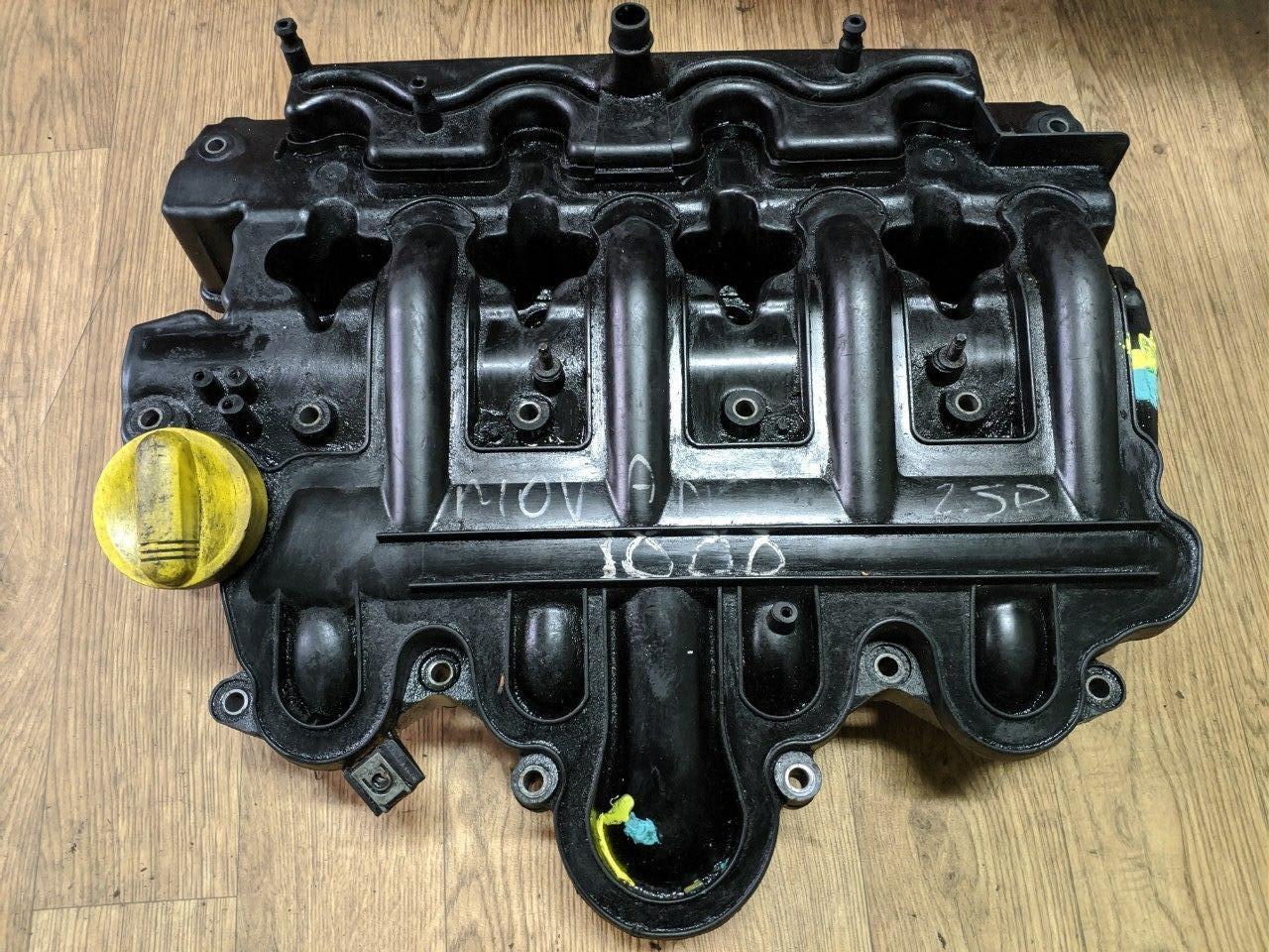 Клапанна кришка Renault Trafic, Opel Vivaro 2.5, 2003-2014, 8200149903 (Б/У)