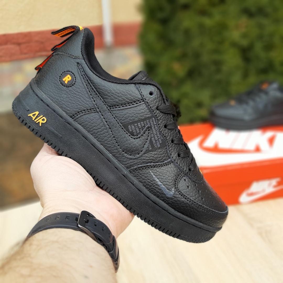 Жіночі кросівки Nike Air Force 1 LV8 (чорно-помаранчеві) 2993