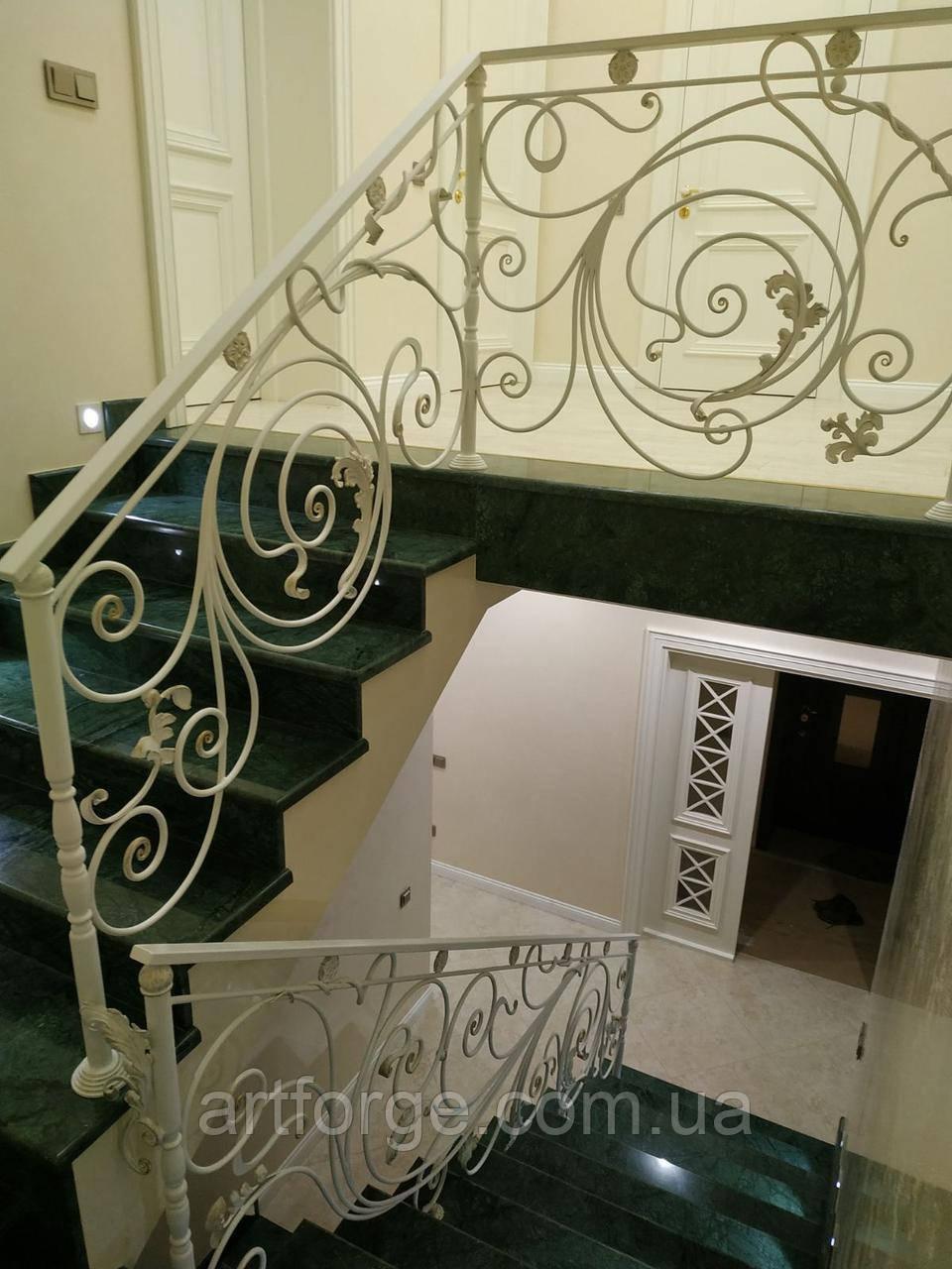 Кованые перила для лестницы. Ограждение лестницы.