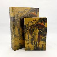 Скринька у вигляді книги Пари під парасолькою середня