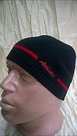 вязанная спортивная шапка одинарная с небольшим  утеплением цвет черный с красным
