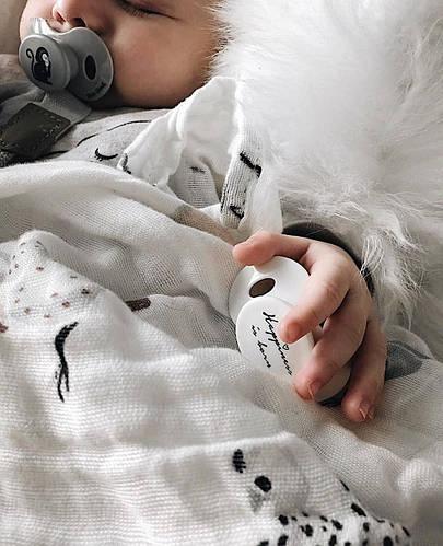 Высококачественные силиконовые оригинальные пустышки Elodie details дополнят яркий образ Вашего малыша.
