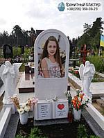 Детский памятник для девочкис книгой и двумя ангелочками