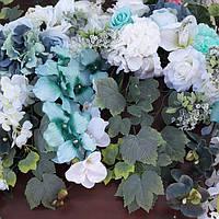 Гирлянда из искусственных цветов (цвет мята)
