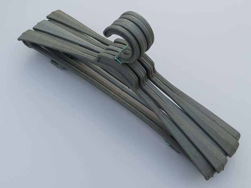 Плечики вешалки тремпеля ( Гем ) цвета хаки, длина 45 см, в упаковке 5 штук