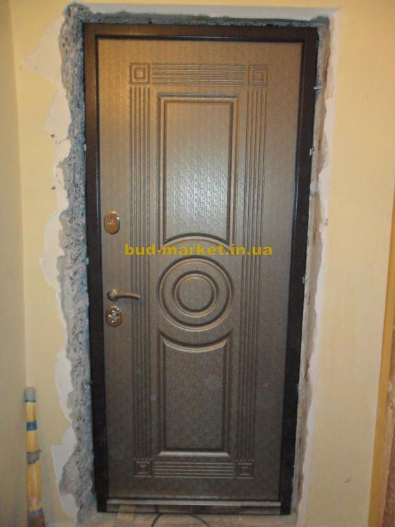 Установка входной двери ТМ Двери Украины модель Парис