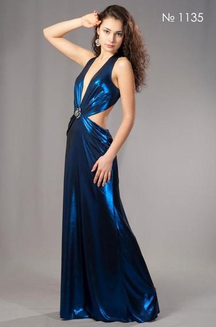 Распродажа, ликвидация коллекции вечерних платьев прошлого сезона, скидки до 50%