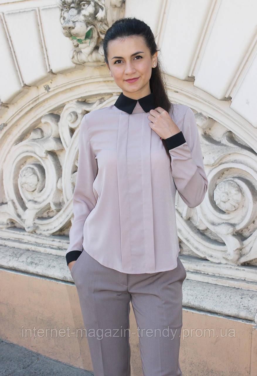Блузка  с черным воротничком и манжетами,разные цвета
