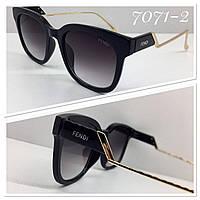 Женские солнцезащитные очки черные изогнутые металлические дужки, фото 1