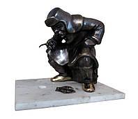 """Бронзовая статуэтка """"Рыбак"""" (h-16x17cm)"""