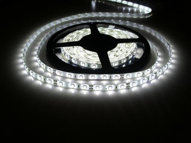 Економная белого цвета LED лента 5050-30 влагозащитная(IP65)