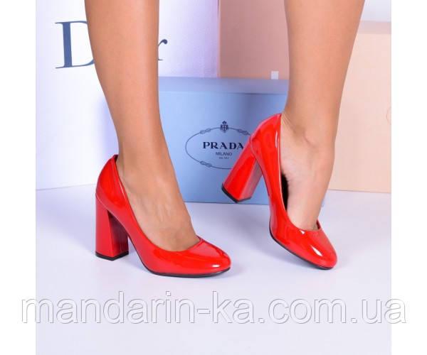 Туфли красные лаковые