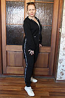 Черный спортивный костюм с капюшоном