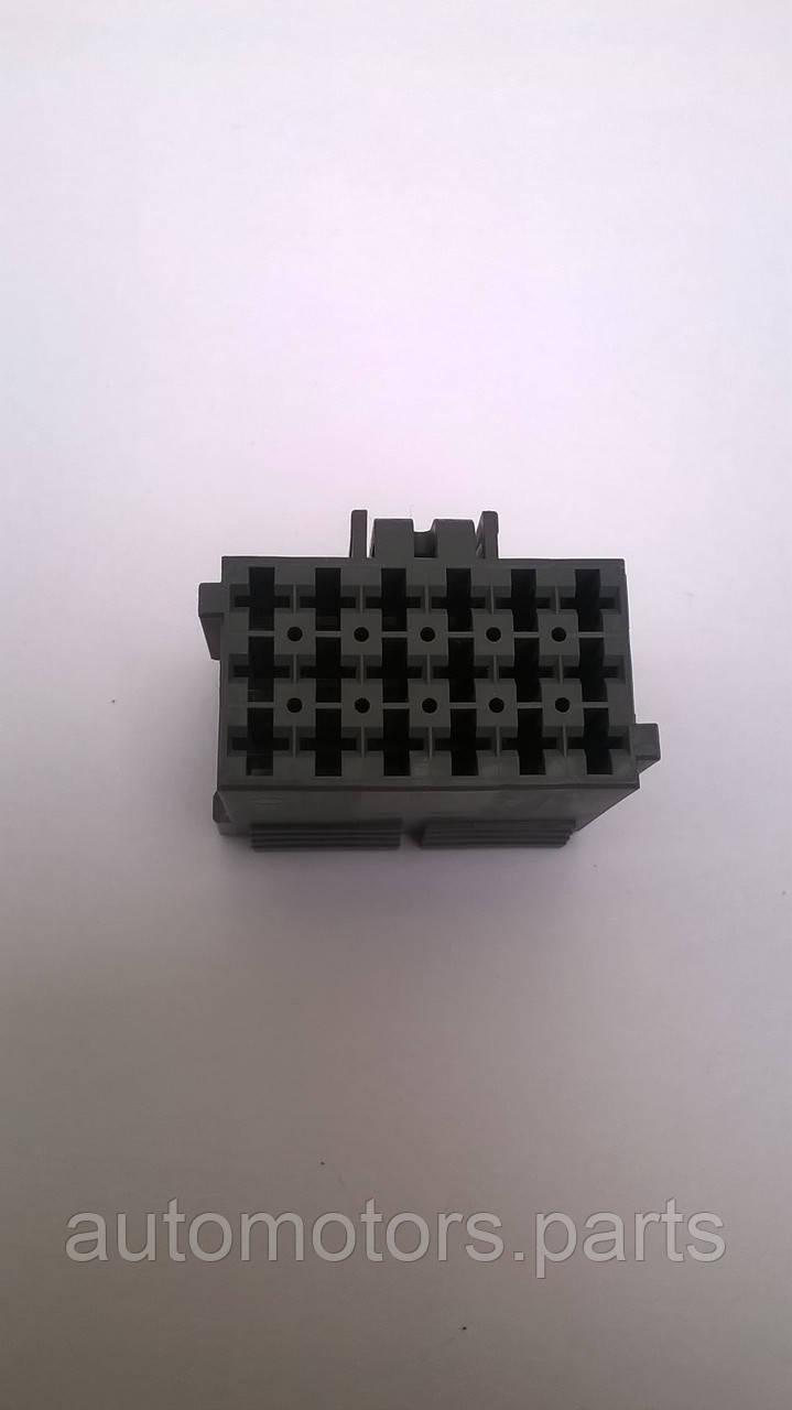 Штекерная колодка 0-0967624-1 Knorr-Bremse